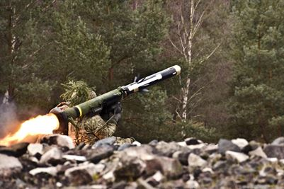 A soldier assigned to 4th Squadron, 2nd Cavalry Regiment, fires a Javelin anti-tank missile at the Grafenwoehr Training Area, Germany, 24 Feb. 2016. The proliferation of anti-tank missiles, chemical-energy munitions and shaped charges may put conventional armor at a disadvantage in the future, said Army General Perkins. (DoD)